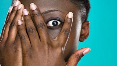 Photo de Une étudiante ghanéenne avoue avoir honte de ses parents en public