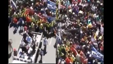 Photo de Attaques xénophobes : les Sud-Africains demandent pardon aux étrangers (vidéo)