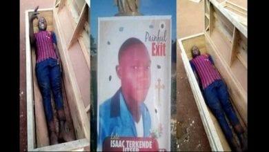 Photo de Nigeria : il prend un selfie dans un cercueil et décède le lendemain (photos)