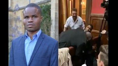 Photo de Angleterre: un étudiant ghanéen aveugle expulsé violemment d'une salle de débat à Oxford (vidéo)