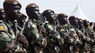 """Photo de Mali: des terroristes attaquent une base militaire et tuent """"54 soldats"""""""