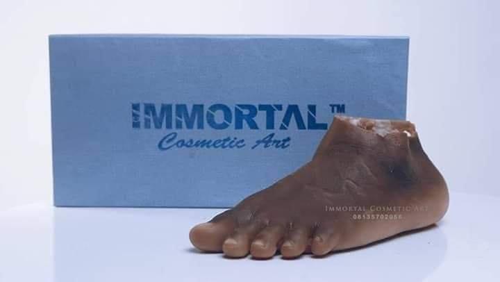 John Amanam : l'artiste nigérian qui fabrique des parties du corps humain « réalistes » (photos)