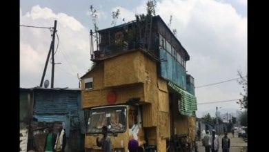Photo de Éthiopie : un homme construit une maison de trois chambres à coucher sur son camion (vidéo)