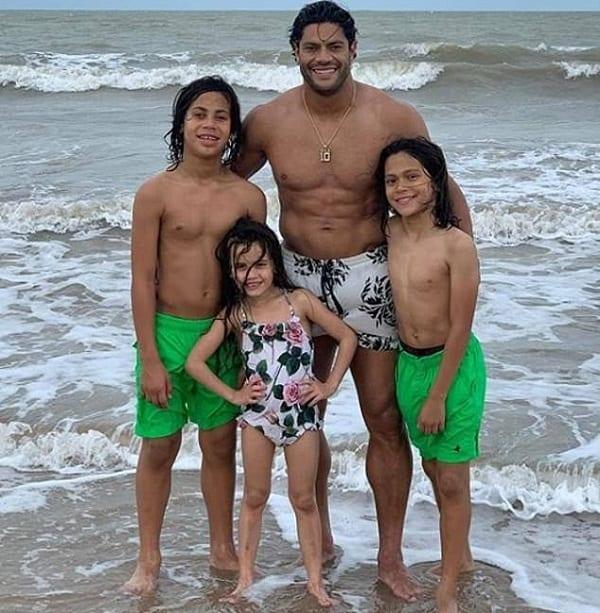 Le footballeur Hulk au centre d'une polémique: il quitte sa femme pour sa nièce