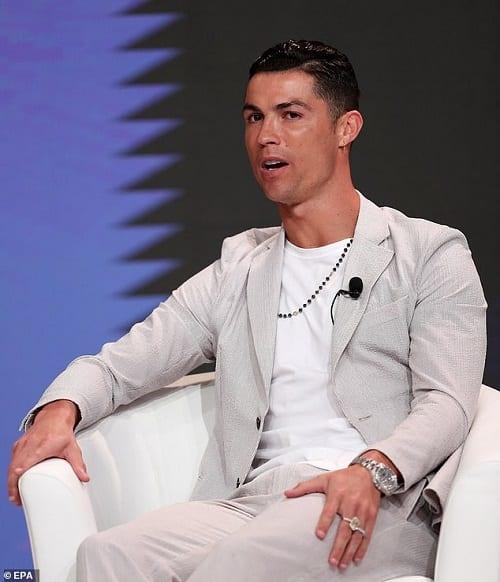 Cristiano Ronaldo porte la montre incrustée de diamants la plus chère de Rolex: PHOTOS