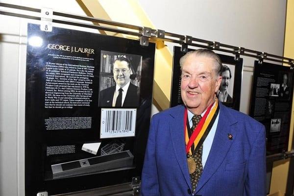 George Laurer, l'inventeur du code-barres du supermarché décède à 94 ans
