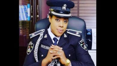 Photo de Prêter aux gens votre numéro de compte pour recevoir de l'argent est risqué, selon une policière nigériane