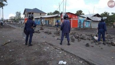 Photo de RD Congo : une policière tire à bout portant sur un jeune manifestant