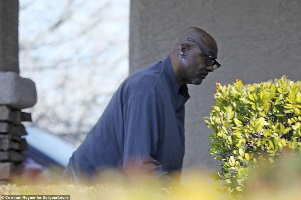 Mort de Kobe Bryant: son père complètement dévasté...Les tristes témoignages des voisins (photos)