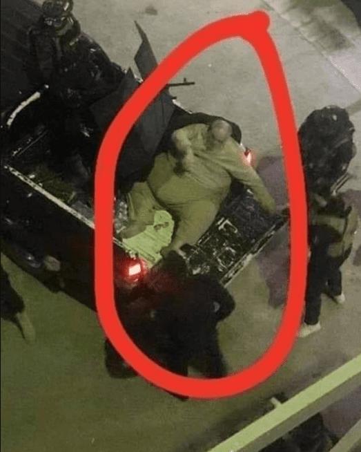 Un mufti de l'État islamique arrêté et transporté dans un camion en raison de son poids (photos)