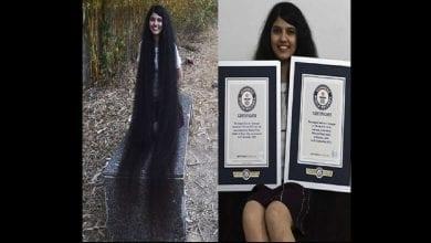 Photo de Une fille de 17 ans détient le record Guinness des plus longs cheveux du monde: photos