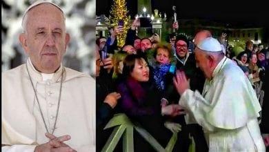 Photo de Quand le pape François s'énerve contre une fidèle le soir du Nouvel an: Vidéo