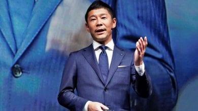 Photo de Un milliardaire japonais fait une incroyable surprise à ses fans sur la toile
