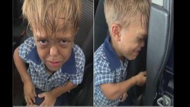 Photo de Harcelé à l'école, cet enfant atteint de nanisme dit à sa mère qu'il veut se suicider…La vidéo choque la toile
