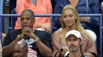 Super bowl: voici pourquoi Jay Z et Beyonce sont restés assis pendant l'hymne américain
