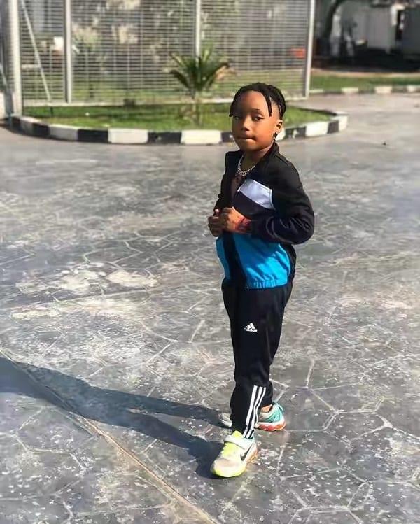 Nigeria: un jeune chanteur de 6 ans déclare son amour à la fille de Davido