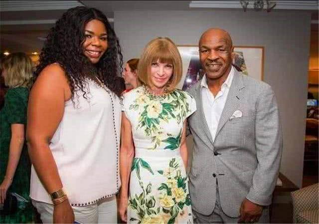 Mike Tyson offre 10 millions de dollars à l'homme qui épousera sa fille (photos)