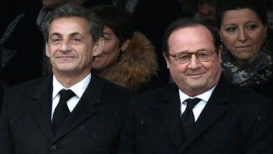 """Photo de """"J'ai rencontré l'amour de ma vie, il est vraiment normal"""": Quand Nicolas Sarkozy se moque de François Hollande"""