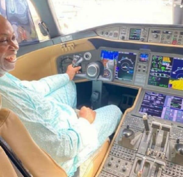 Davido: son père achète un avion express Bombardier à 62 millions $ (vidéo)