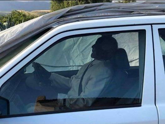 Afrique du Sud : un homme enterré dans sa Mercedes Benz préférée selon sa dernière volonté (vidéo)