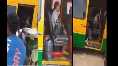 Photo de Ghana/coronavirus : des passagers descendent d'un bus après l'entrée de 2 Chinois (vidéo)