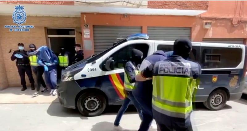 Un ex rappeur britannique devenu extrémiste de l'État islamique arrêté en Espagne: Vidéo