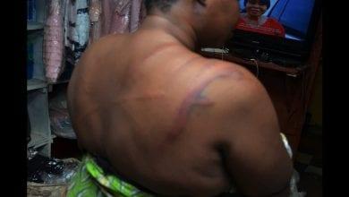 Photo de Nigeria/coronavirus : une femme brutalisée par la police pour non-respect des règles de confinement (vidéo)