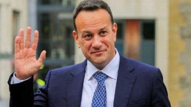 Photo de Irelande: Le Premier ministre reprend son travail de médecin pour combattre le Covid-19