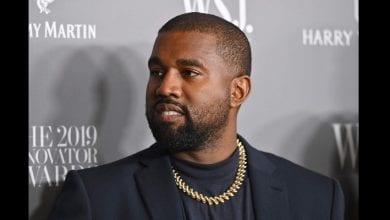 Photo de Kanye West devient officiellement le deuxième rappeur milliardaire au monde (Forbes)
