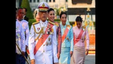 Photo de Allemagne: Confiné avec 20 femmes, le roi thaïlandais effectue un aller-retour express dans son pays