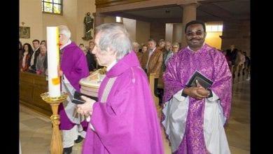 Photo de « Mon enfant ne sera pas baptisé par un Noir » : un prêtre nigérian menacé de mort en Allemagne