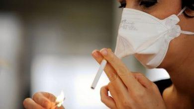 Photo de Covid-19: les fumeurs sont-ils plus exposés à l'infection? La réponse d'un expert