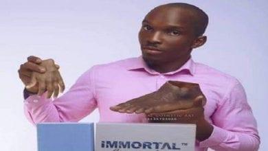 Photo de Nigeria: Un jeune fabrique des prothèses pour les Noirs