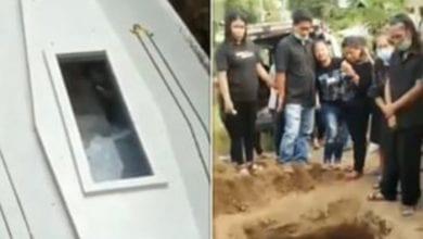Photo de Indonésie: un cadavre aurait salué les gens à son enterrement, à travers la vitre de son cercueil (Vidéo)