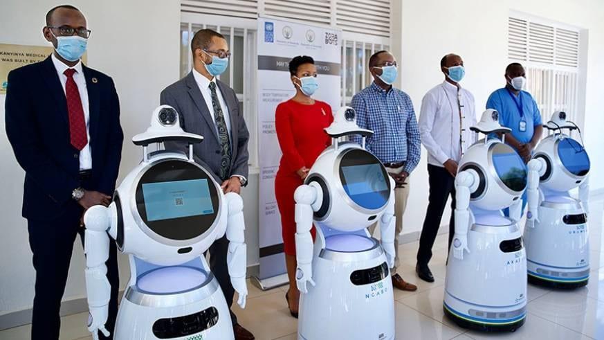 Rwanda/coronavirus : des robots utilisés pour faire les tests de dépistage (photos)
