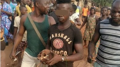 Photo de Togo : un jeune arrêté avec plusieurs crânes humains