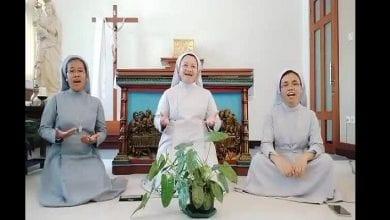 Photo de Trois religieuses catholiques chantent pour les musulmans à l'occasion de l'Aïd el-Fitr, les internautes sont touchés (vidéo)
