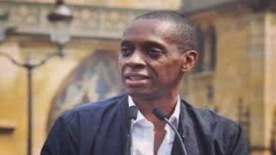 Photo de Claudy Siar appelle l'Afrique à sortir de l'ONU, l'OMS, le FMI…