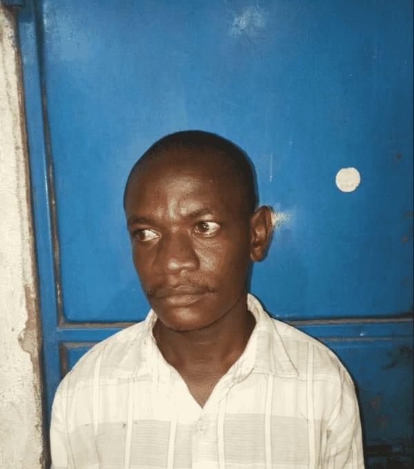 Un homme arrêté pour avoir mis du piment et de la colle dans les parties intimes de sa femme