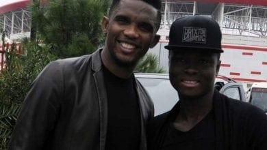 Photo de Le footballeur ghanéen Samuel Inkoom explique comment Eto'o a sauvé sa carrière