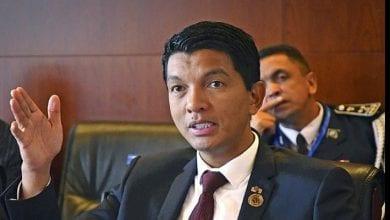 """Photo de Le président Andry Rajoelina annonce la naissance d'une nouvelle voiture """"Made in Madagascar"""""""