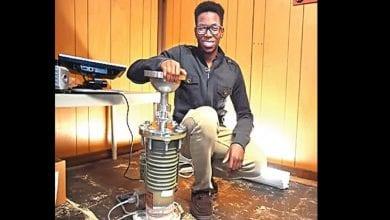 Photo de Inspiration: un jeune nigérian deviendra le premier étudiant noir à construire un réacteur nucléaire