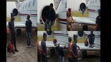 Photo de Congo : un adolescent tente d'entrer en Europe en se cachant dans le réacteur d'un avion (vidéo)