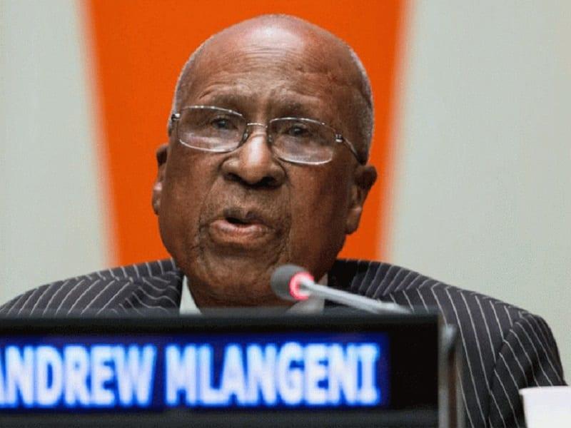 Afrique du Sud : Andrew Mlangeni, allié de Mandela dans la lutte anti-apartheid, est mort