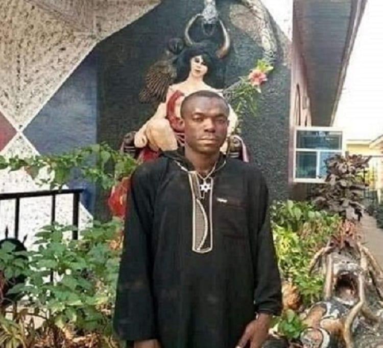 Nigeria: la première église de Satan détruite par des jeunes en colère (photos)