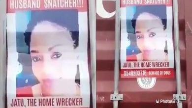 Photo de Ghana: une épouse colle des affiches photos de la maîtresse de son mari dans les rues (Vidéo)