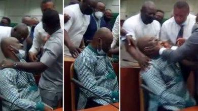 Photo de Nigeria : accusé de dépenses illégales, un politicien s'évanouit à son audience (Vidéo)
