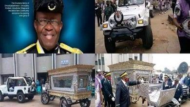 Photo de Nigeria : un millionnaire enterré dans un cercueil d'une valeur de 75 000 euros (photos)