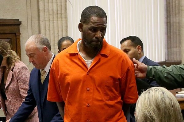 r-kelly-attacked-in-jail-cell