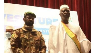Photo de Mali : désigné Président de la transition, le colonel-major Bah N'daw a prêté serment